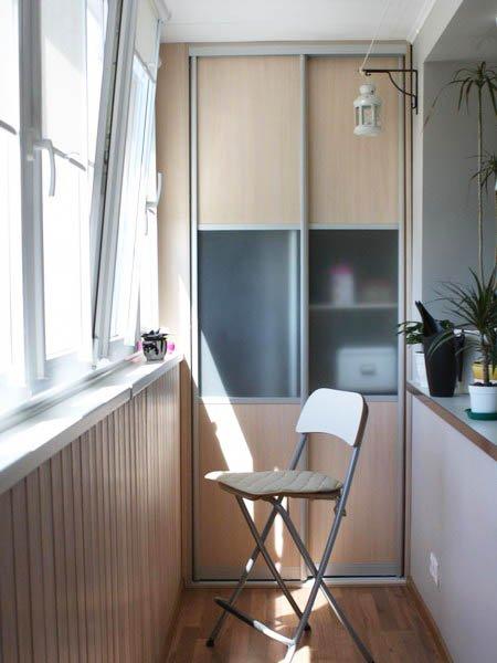 Фотография:  в стиле , Балкон, Мебель и свет, Ремонт на практике, Борис Бочкарев, Евгения Михайлова, студия Mango, как согласовать переустройство лоджии, утепленная лоджия, теплый пол на балконе, как обустроить кабинет на балконе, как обустроить закрытый балкон, как сделать на балконе комнату, энциклопедия_инженерные_коммуникации – фото на INMYROOM
