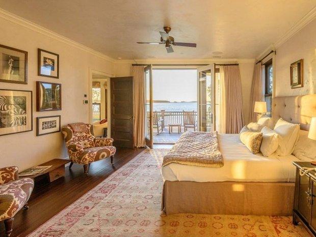 Фотография: Спальня в стиле Современный, Дом, Дома и квартиры, Интерьеры звезд – фото на INMYROOM