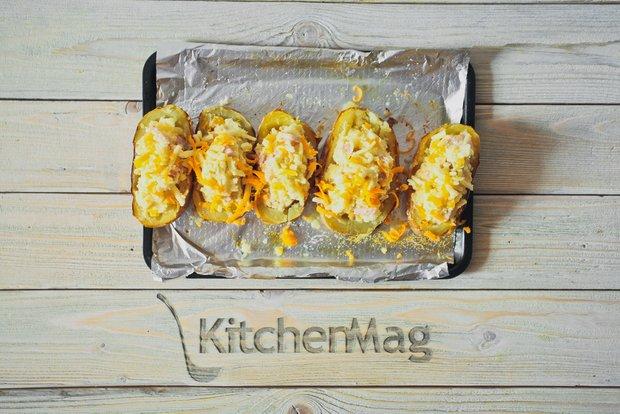 Фотография:  в стиле , Обед, Ужин, Закуска, Основное блюдо, Выпекание, Закуски, Картофель, Кулинарные рецепты, 1 час, Пришли гости, Это вкусно, Готовит KitchenMag, Европейская кухня, Вкусные рецепты, Простые рецепты, Домашние рецепты, Пошаговые рецепты, Новые рецепты, Рецепты вторых блюд, Рецепты с фото, Как приготовить вкусно?, Средняя сложность – фото на INMYROOM