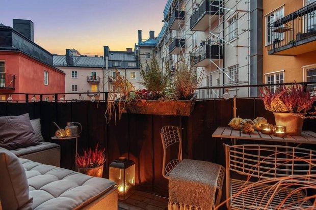 Фотография: Балкон в стиле Скандинавский, Декор интерьера, Квартира, Швеция, Декор, Мебель и свет, Стокгольм, Серый, интерьер в скандинавском стиле, 3 комнаты, 60-90 метров, монохромный интерьер – фото на INMYROOM