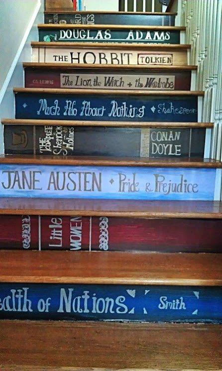 Фотография: Кухня и столовая в стиле Современный, Архитектура, Декор, Мебель и свет, Ремонт на практике, Никита Морозов, освещение для лестницы, какую выбрать лестницу, какие бывают лестницы, прямая лестница, винтовая лестница, лестница на больцах, подвесная лестница, ограждение для лестниц, как украсить лестницу – фото на InMyRoom.ru