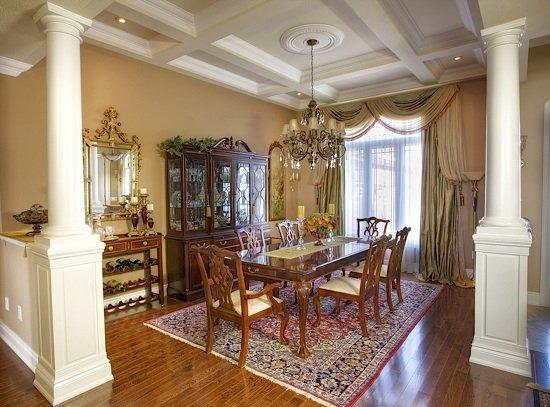 Фотография: Кухня и столовая в стиле Классический, Декор интерьера, Дом, Мебель и свет – фото на INMYROOM