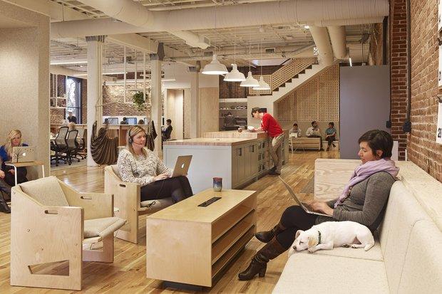 Фотография: Кухня и столовая в стиле Скандинавский, Эко, Лофт, Декор интерьера, Офисное пространство, Офис – фото на INMYROOM