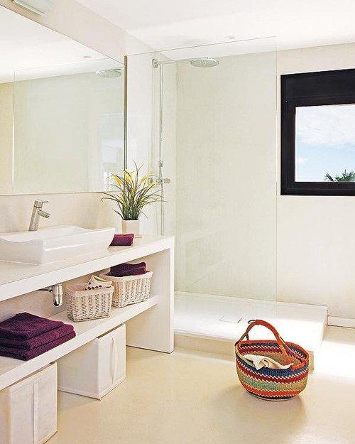 Фотография: Ванная в стиле Скандинавский, Лофт, Декор интерьера, Квартира, Цвет в интерьере, Дома и квартиры, Белый, Барселона – фото на INMYROOM