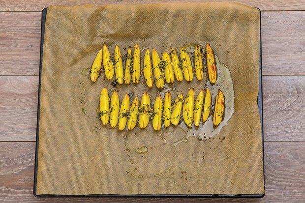 Фотография:  в стиле , Обед, Основное блюдо, Выпекание, Жарить, Мясо, Картофель, Кулинарные рецепты, 30 минут, Русская кухня  – фото на INMYROOM