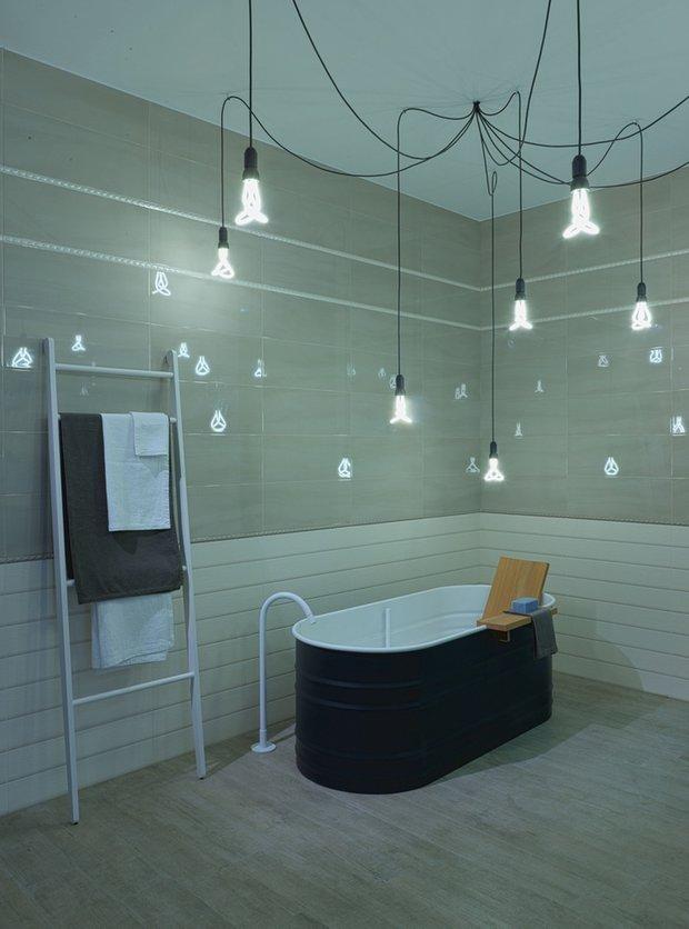 Фотография: Ванная в стиле Лофт, Классический, Декор интерьера, DIY, Мебель и свет, Советы, Люстра – фото на InMyRoom.ru