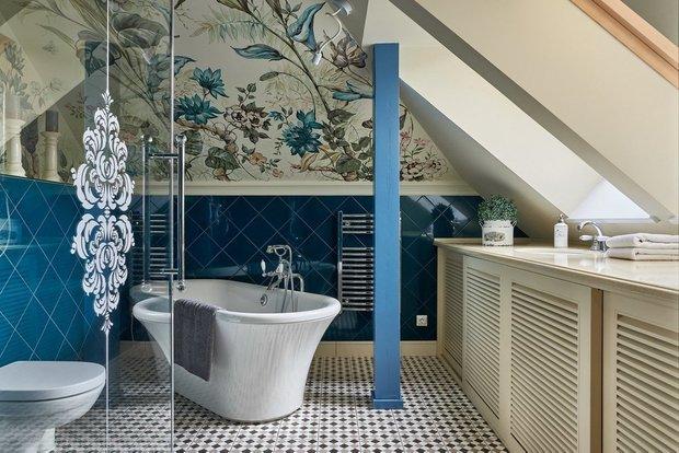 Фотография:  в стиле , Ванная, Советы, как поклеить обои, как подобрать обои в интерьер, Ксения Мезенцева, обои в интерьере, обои в ванной – фото на INMYROOM