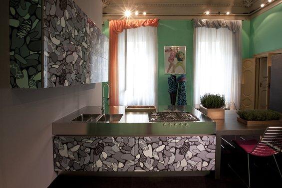 Фотография: Кухня и столовая в стиле Эклектика, Индустрия, Новости, Принты – фото на INMYROOM