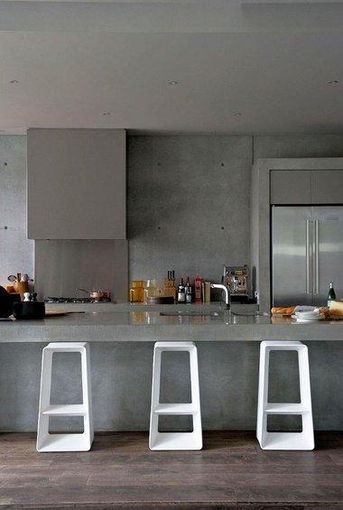 Фотография: Кухня и столовая в стиле Лофт, Минимализм, Декор интерьера, Мебель и свет – фото на INMYROOM