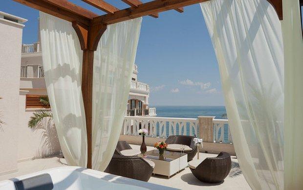 Фотография: Балкон в стиле Современный, Индустрия, События – фото на INMYROOM