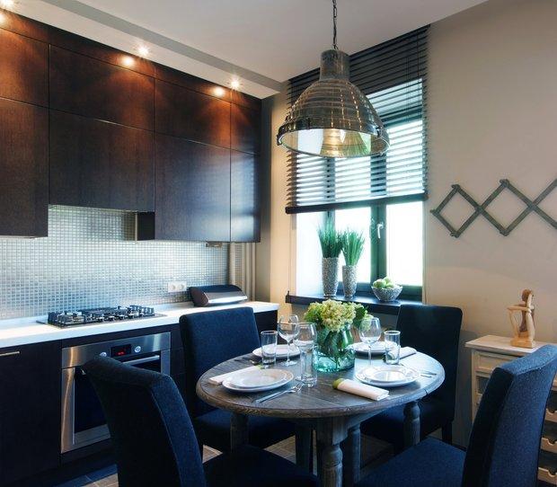 Фотография: Кухня и столовая в стиле Лофт, Интерьер комнат, Советы, kuhnya-8-kv-metrov – фото на INMYROOM