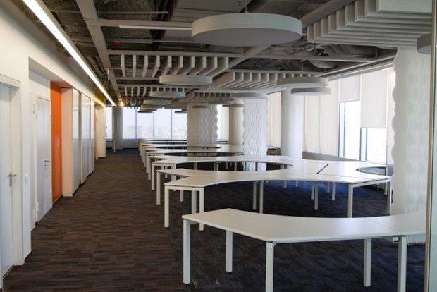 Фотография:  в стиле Лофт, Современный, Офисное пространство, Индустрия, Люди – фото на INMYROOM