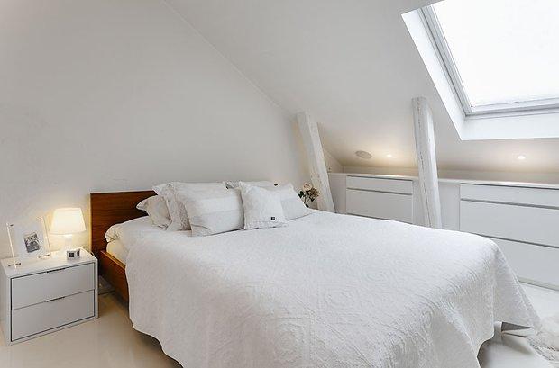 Фотография: Спальня в стиле Скандинавский, Квартира, Мебель и свет, Дома и квартиры – фото на INMYROOM