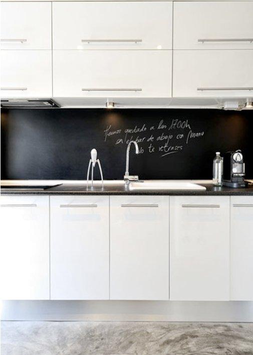 Фотография: Кухня и столовая в стиле Современный, Декор интерьера, Квартира, Цвет в интерьере, Дома и квартиры, Стены, Мадрид – фото на INMYROOM