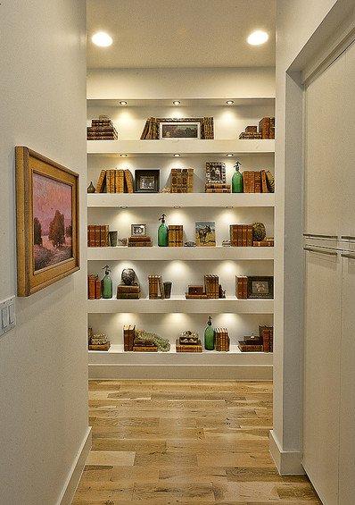 Фотография: Прихожая в стиле Современный, Декор интерьера, Мебель и свет, Светильник – фото на INMYROOM