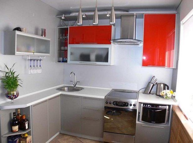 Фотография: Кухня и столовая в стиле Хай-тек, Интерьер комнат, kuhnya-8-kv-metrov – фото на INMYROOM