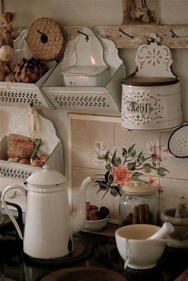 Фотография: Декор в стиле Прованс и Кантри, Кухня и столовая, Дом, Интерьер комнат – фото на INMYROOM