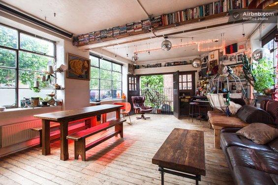 Фотография: Спальня в стиле Прованс и Кантри, Декор интерьера, Текстиль, Airbnb, Гамак – фото на INMYROOM
