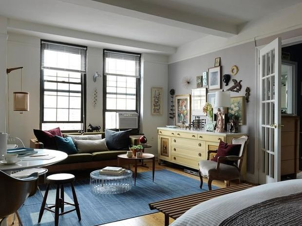 Фотография: Гостиная в стиле Современный, Декор интерьера, Малогабаритная квартира, Квартира, Студия, Планировки, Мебель и свет – фото на INMYROOM