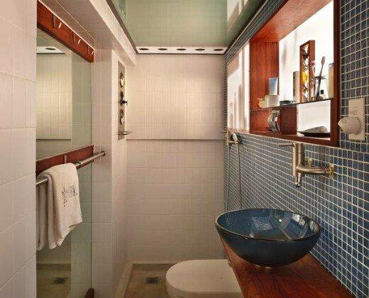 Фотография: Ванная в стиле Лофт, Малогабаритная квартира, Квартира, Мебель и свет, Эко – фото на INMYROOM