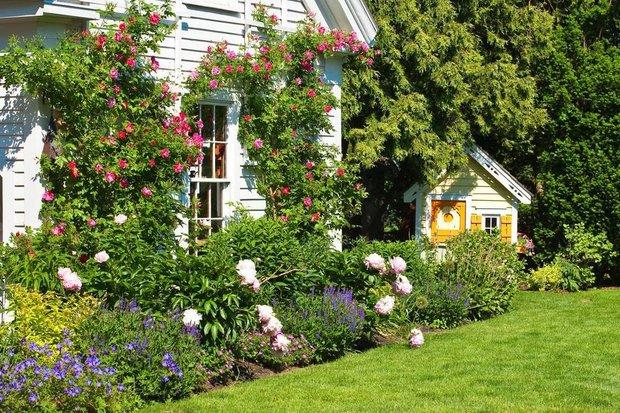 Фотография:  в стиле , Дом и дача, как преобразить дачный участок, как декорировать дачный дом, Дача летом – фото на INMYROOM