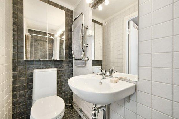 Фотография: Ванная в стиле Скандинавский, Малогабаритная квартира, Квартира, Цвет в интерьере, Дома и квартиры, Белый – фото на INMYROOM