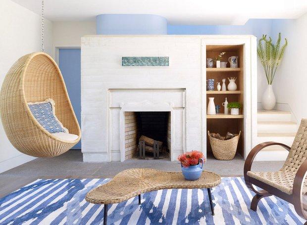Фотография: Гостиная в стиле Прованс и Кантри, Интерьер комнат, Картины, Зеркало – фото на INMYROOM