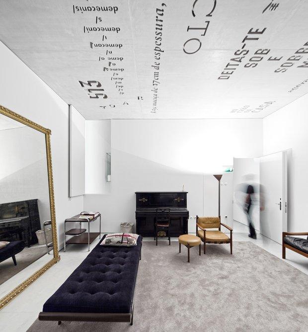 Фотография:  в стиле Классический, Современный, Эклектика, Декор интерьера, Декор дома – фото на INMYROOM