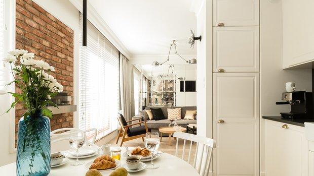 Фотография: Кухня и столовая в стиле Скандинавский, Декор интерьера, Малогабаритная квартира, Польша – фото на INMYROOM