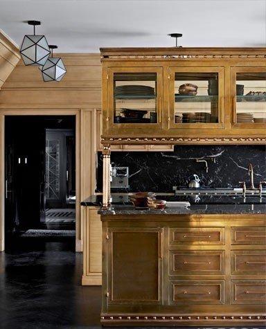 Фотография: Кухня и столовая в стиле Прованс и Кантри, Индустрия, Люди, Посуда, Ретро – фото на InMyRoom.ru