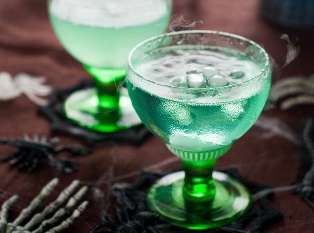 Фотография:  в стиле , Обзоры, Напитки, Кулинарные рецепты, 15 минут, Алкоголь, Хэллоуин – фото на INMYROOM