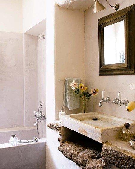 Фотография: Ванная в стиле Прованс и Кантри, Дом, Дома и квартиры, Балки – фото на INMYROOM