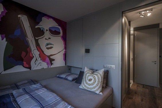 Фотография: Спальня в стиле Современный, Малогабаритная квартира, Квартира, Цвет в интерьере, Дома и квартиры, Серый, Умный дом, Будапешт – фото на INMYROOM