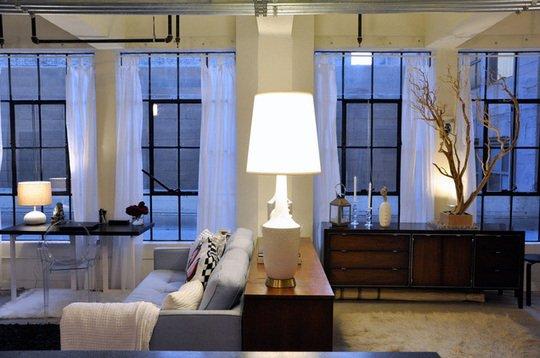 Фотография: Гостиная в стиле Лофт, Современный, Декор интерьера, Декор дома, Ширма, Перегородки – фото на INMYROOM