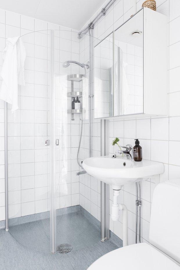 Фотография: Ванная в стиле Скандинавский, Декор интерьера, Квартира, Швеция, Белый, Гетеборг, 2 комнаты, 40-60 метров – фото на INMYROOM