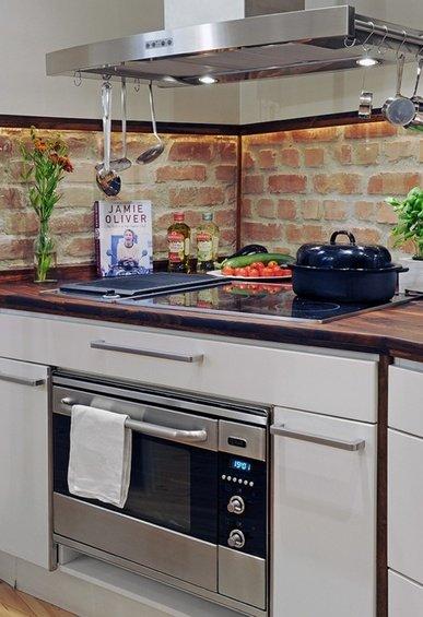 Фотография: Гостиная в стиле Современный, Эко, Кухня и столовая, Декор интерьера, Дом, Декор дома, Плитка, Мозаика, Кухонный фартук – фото на INMYROOM