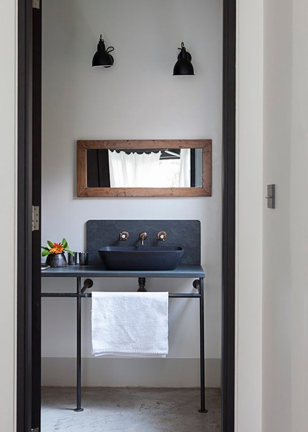 Фотография: Ванная в стиле Скандинавский, Декор интерьера, Квартира, Декор, Советы, раковина, раковина в ванной – фото на INMYROOM