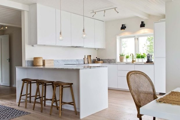 Фотография: Кухня и столовая в стиле Минимализм, Дача, Дом и дача – фото на INMYROOM