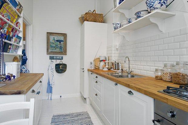 Фотография: Кухня и столовая в стиле Скандинавский, Малогабаритная квартира, Квартира, Швеция, Франция, Дома и квартиры – фото на INMYROOM