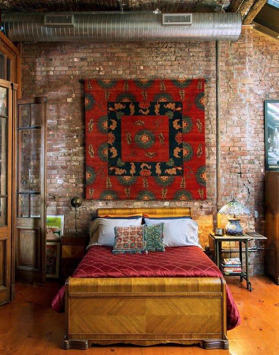 Фотография: Спальня в стиле Эклектика, Декор интерьера, ковер в интерьере – фото на INMYROOM