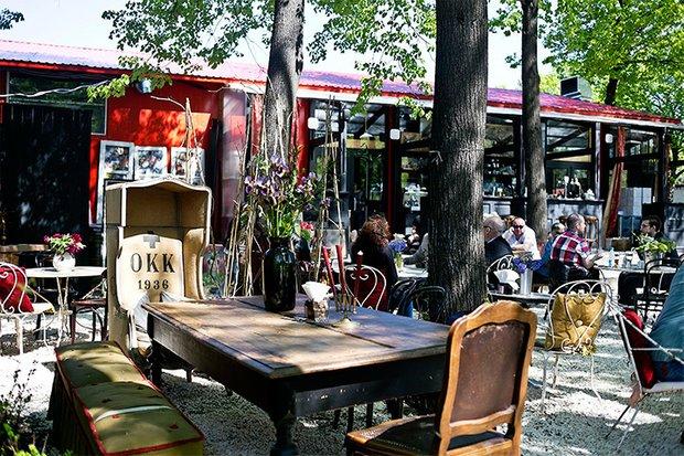 Фотография:  в стиле , Москва, Ресторан, Обзоры, Интересное место, места, Лето – фото на INMYROOM