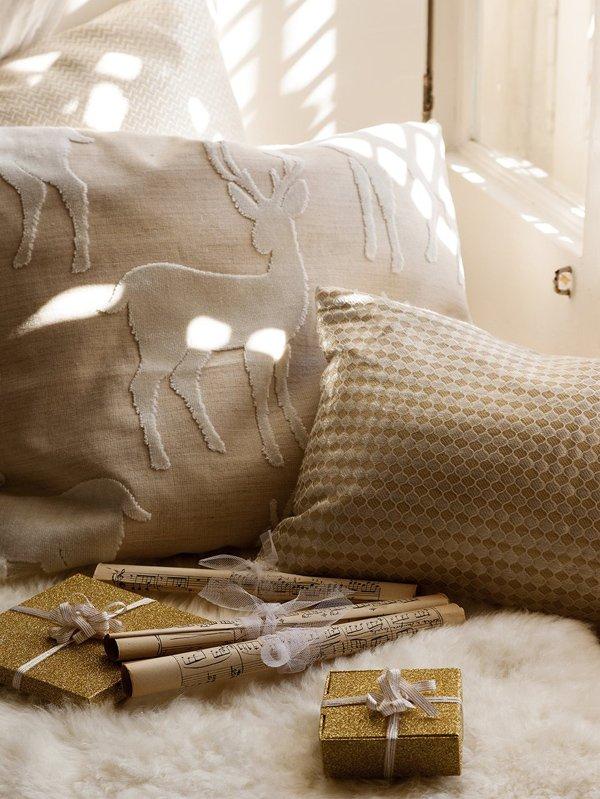 Фотография:  в стиле , Классический, Декор интерьера, Дом, Аксессуары, Декор, Белый – фото на InMyRoom.ru