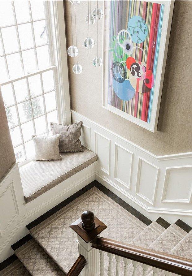 Фотография: Прихожая в стиле Классический, Современный, Архитектура, Декор, Мебель и свет, Ремонт на практике, Никита Морозов, освещение для лестницы, какую выбрать лестницу, какие бывают лестницы, прямая лестница, винтовая лестница, лестница на больцах, подвесная лестница, ограждение для лестниц, как украсить лестницу – фото на INMYROOM