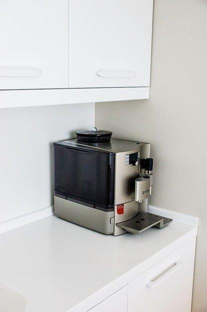 Фотография: Кухня и столовая в стиле Прованс и Кантри, Интерьер комнат, Elle Decoration – фото на INMYROOM