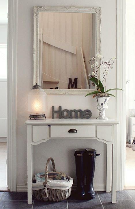 Фотография: Прихожая в стиле Скандинавский, Интерьер комнат, Ковер, Шкаф – фото на INMYROOM