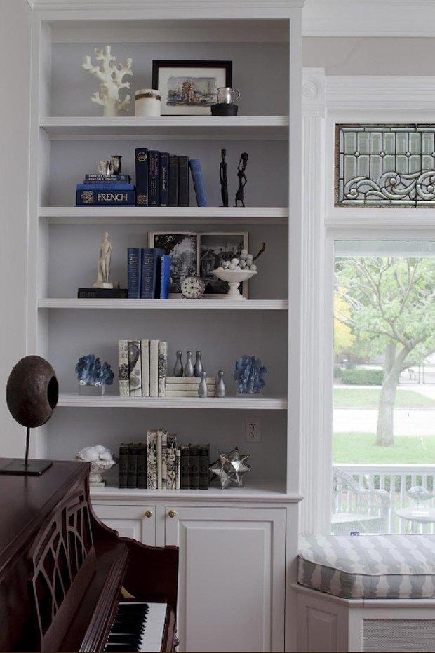Фотография: Декор в стиле Скандинавский, Декор интерьера, Декор дома, Стеллаж, Полки, Домашняя библиотека – фото на INMYROOM
