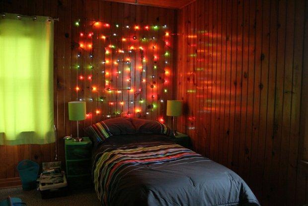 Фотография: Спальня в стиле Современный, Декор интерьера, Декор дома, Праздник, Новый Год, Гирлянда – фото на INMYROOM
