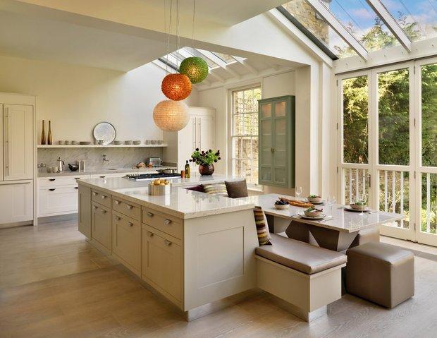 Фотография: Кухня и столовая в стиле Современный, Интерьер комнат, Кухонный остров – фото на INMYROOM