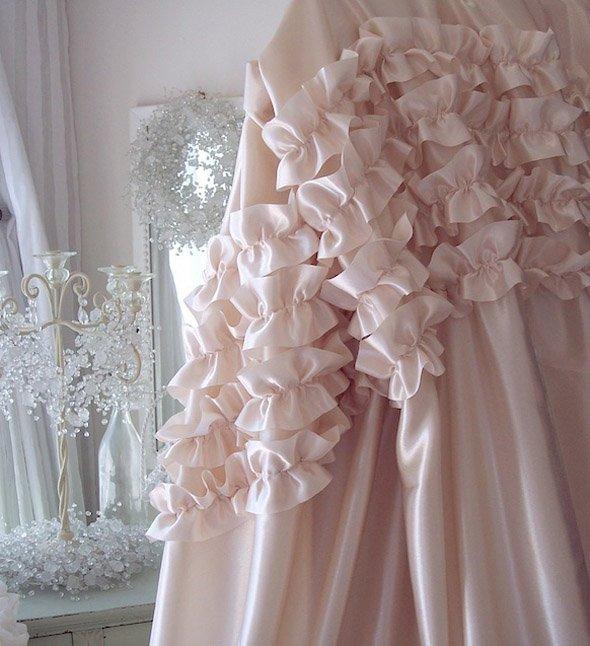 Фотография: Декор в стиле Современный, Декор интерьера, Текстиль, Подушки, Шторы – фото на InMyRoom.ru