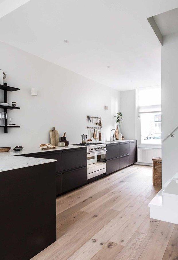 Фотография: Кухня и столовая в стиле Скандинавский, Бежевый, Серый, Дом и дача – фото на INMYROOM